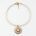 Luxury Retro Floral Crystal and Pearl Pendant Choker Bib Statement Necklace Women Jewelry