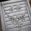 Classic Wedding Bridal Accessories Elegant Flower Crystal Necklace Earrings Sets