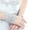 Calssic Rhinestone Married Bridal Hand Bracelet Wedding Jewelry Crystal Hollow Armlet Chain