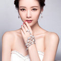 Fashion Shinning Rhinestone Flower with Ring Bracelet Bridal Wedding Wrap Hand Chain Accessories