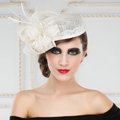 New British Aristocracy White Lace Flax Bridal Flower Feathers Fascinator Wedding Dress Prom Hats